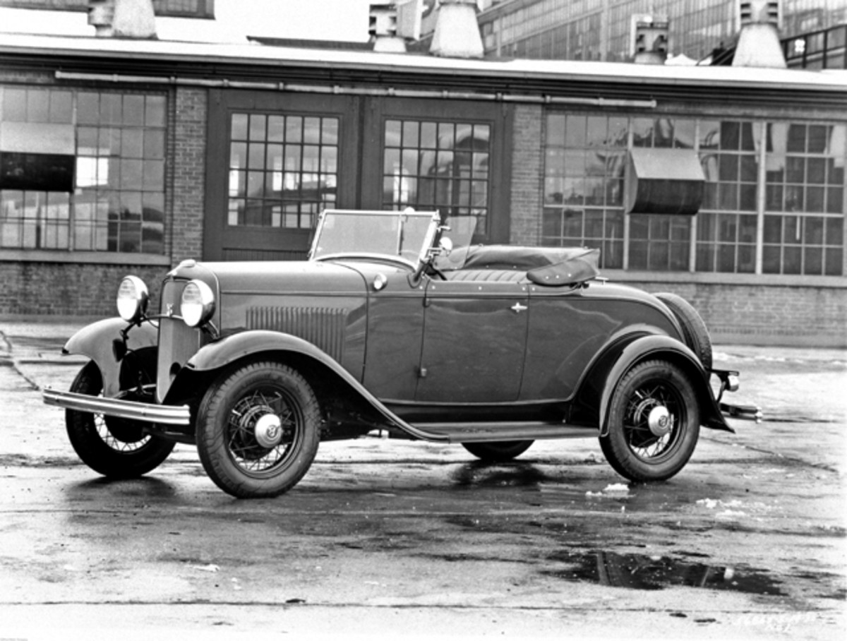 Ford's flathead debuted beneath the hood of the equally iconic 1932 body.