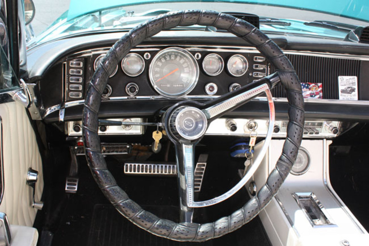 1963-Chrysler-300-Pace-Setter-5