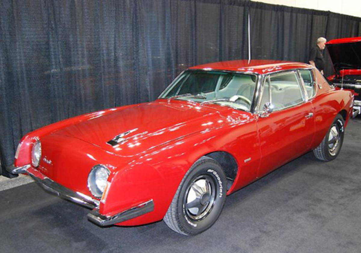 It was refreshing to see this restored Avanti at the Hot Rod & Restoration trade show (www.hotrodshow.com) in Indianapolis.