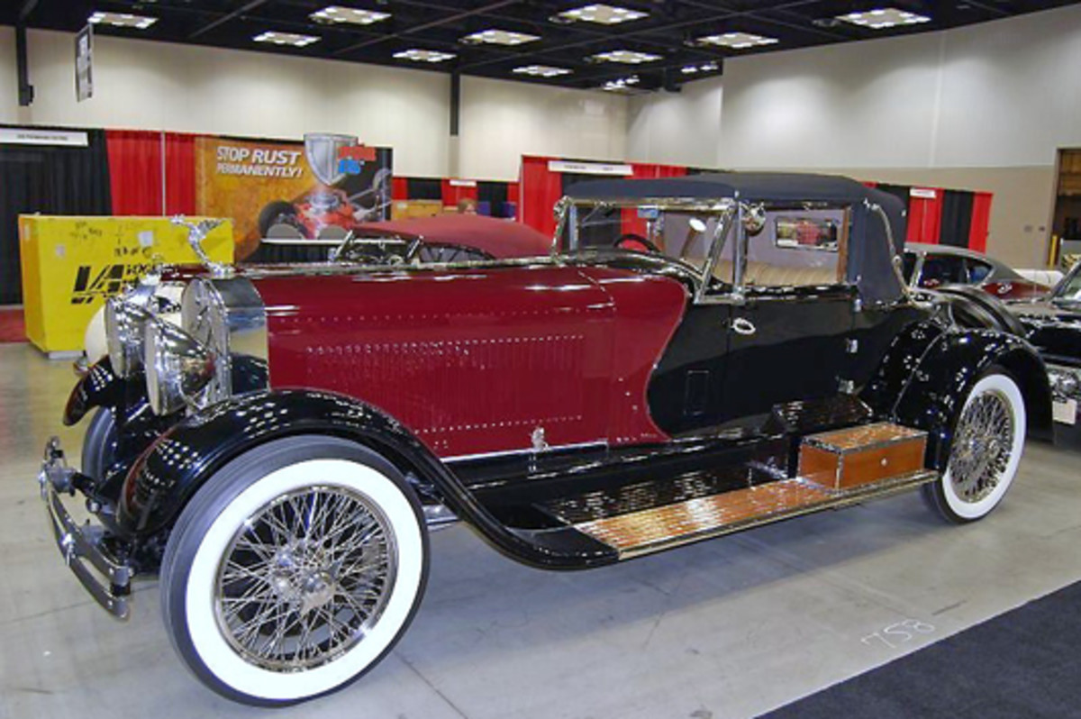 Mark Kennison of D&D Classic Automobile Restoration (www.ddclassic.com) brought this boattailed Isotta-Fraschini to the show.