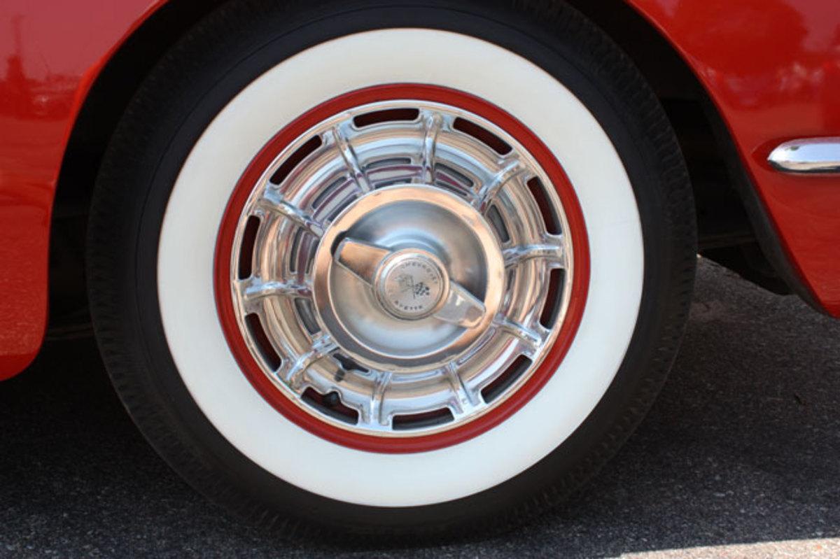 1960-Corvette-wheel
