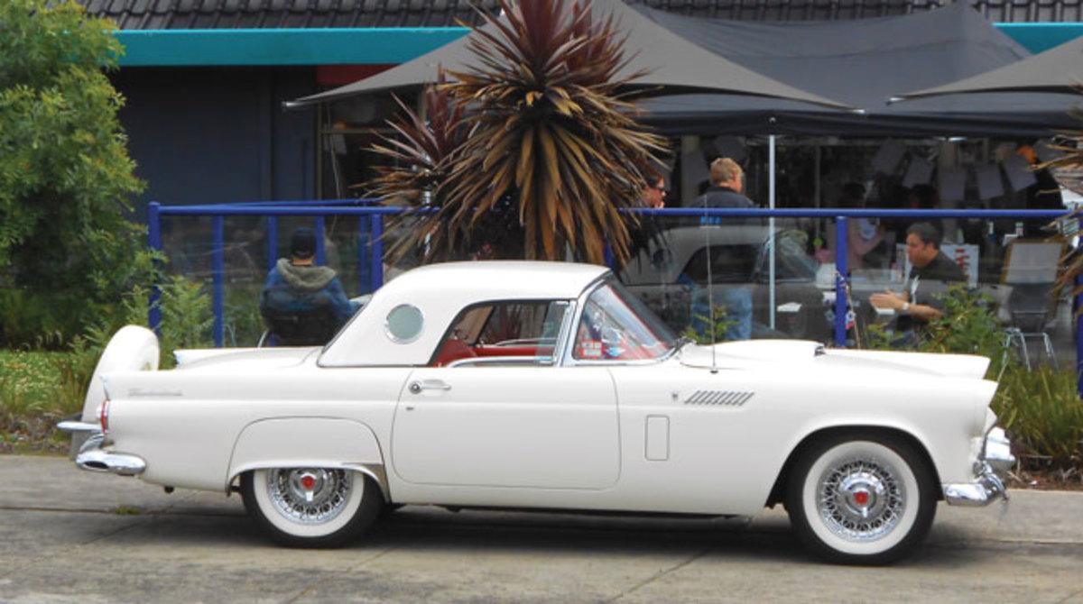 1956-Thunderbird-8