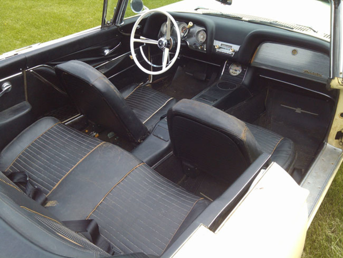 1963-T-bird-interior1