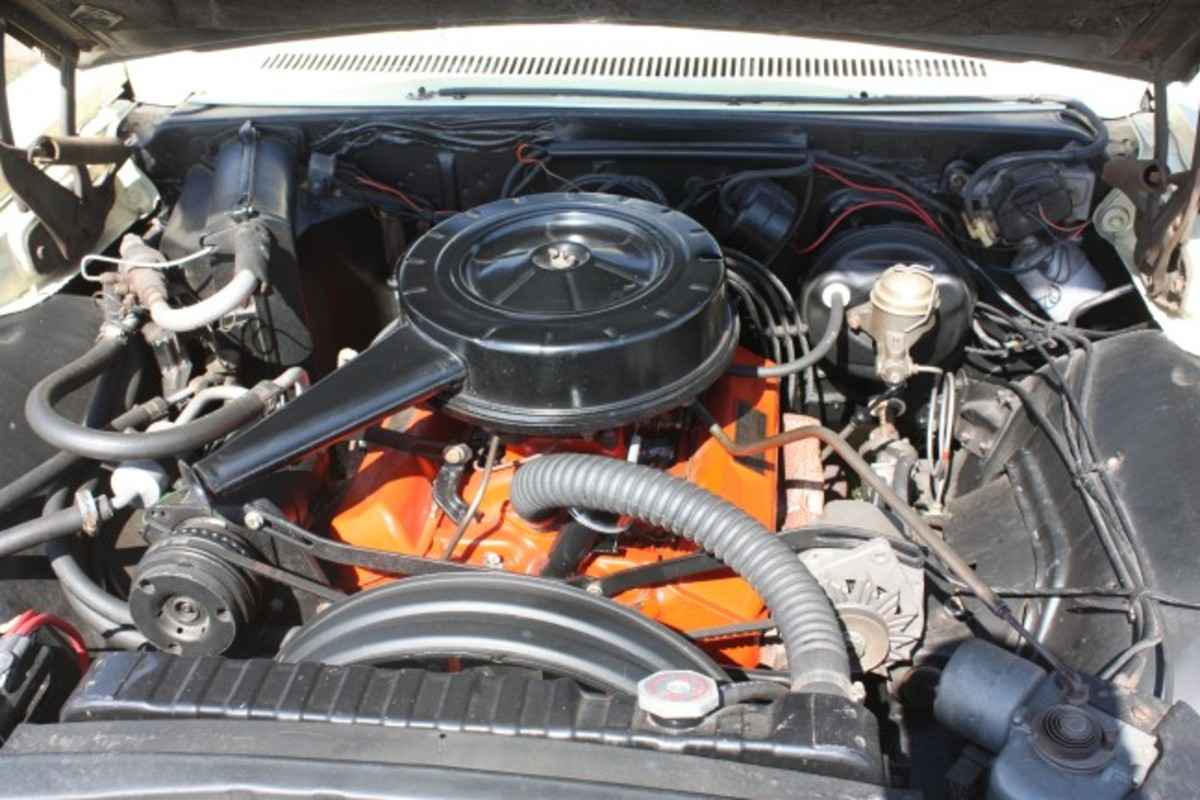 1966 Caprice-engine