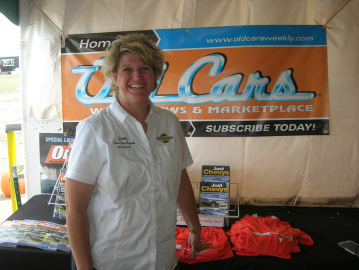 Yvette VanDerBrink has been taking a blue-collar approach to car auctions for nearly two decades.