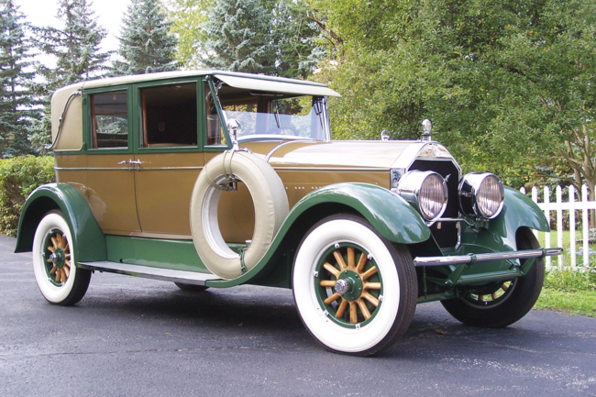 Unlike most Pierce-Arrows, Al Ferrara's Series 36 sedan does not feature the patented headlamp-in-fender design. Instead, the car features the optional headlamps mounted independently of the fenders. According to Ferrara, this added an additional $250 to the Pierce's hefty original price tag, though the buyer also received sidemounts and a luggage rack for the money.