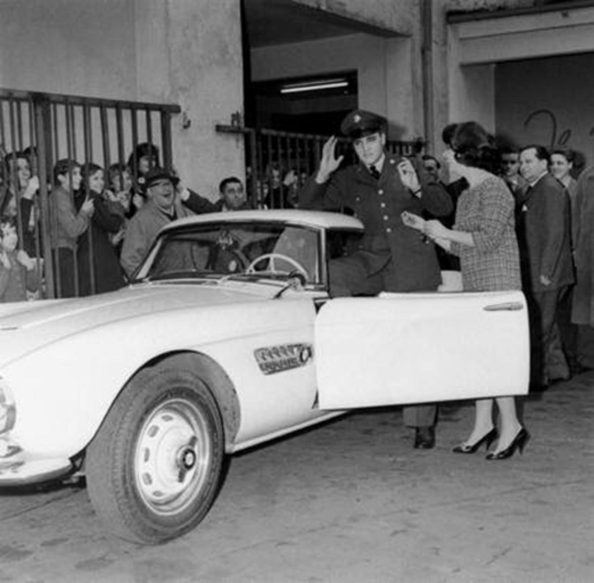 Elvis BMW 2