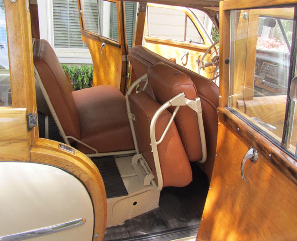 1949-Plymouth-seats
