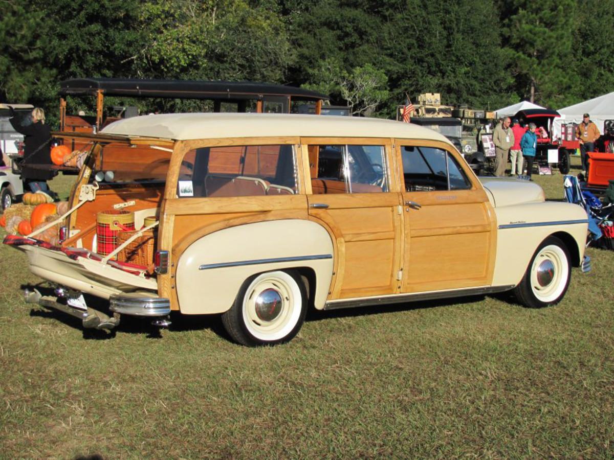 1949 Plymouth-main