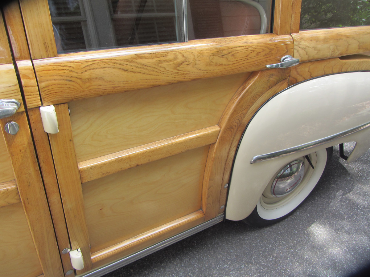 1949 Plymouth-doors