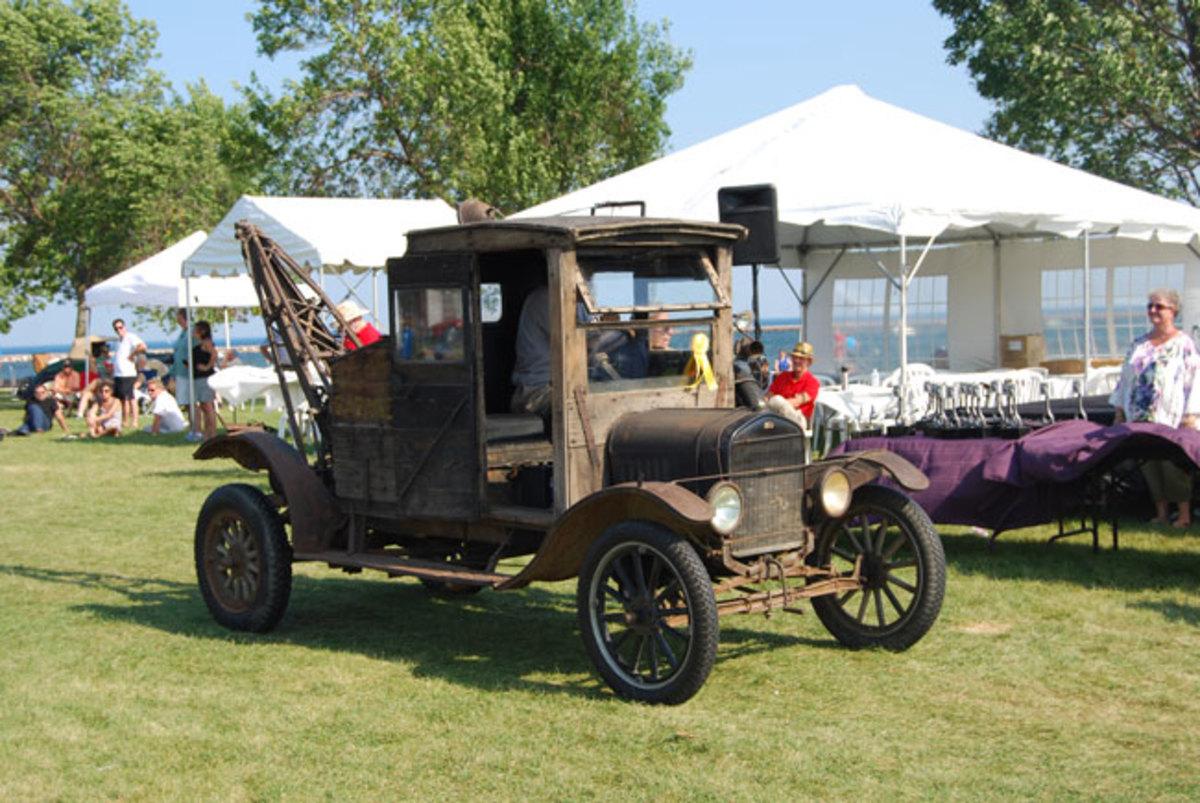 1922-Model-T-wrecker