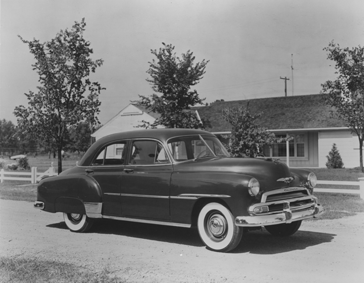 New side trim and a revised grille with lower-set parking lamps were the easiest way to identify the updated 1951 Chevrolet models.