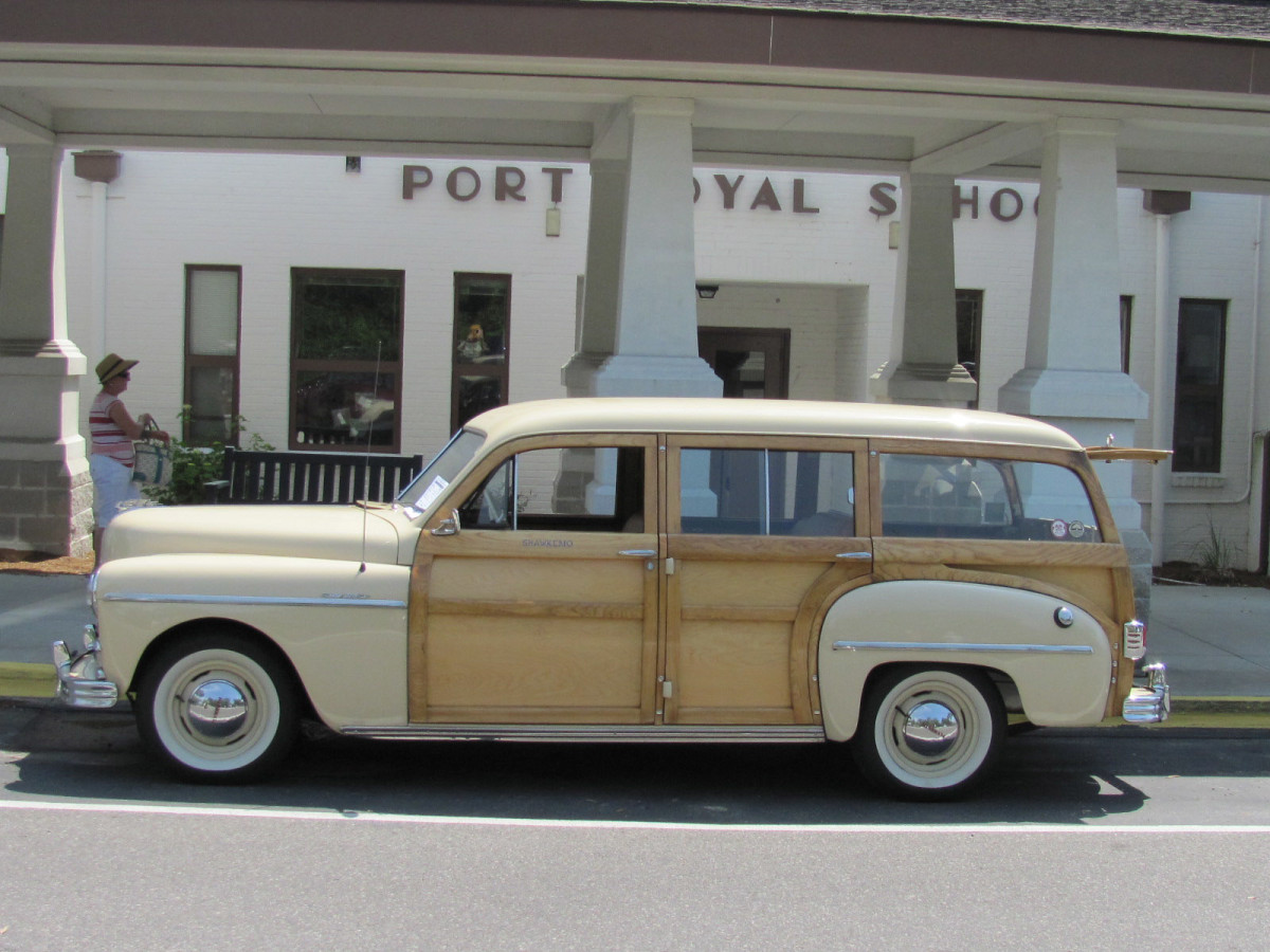 1949 Plymouth-profile