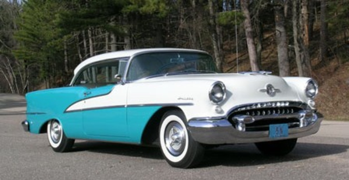 Old Cars Weekly file photo: Kenny Buttolph's 1955 Olds Ninety-Eight Holiday coupe is his latest in a long line of '50s Oldsmobiles going back to the period shortly after they were new.