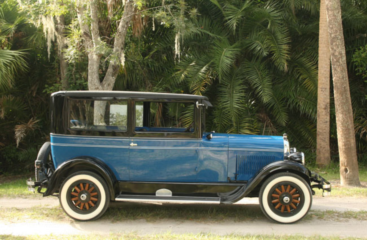1927-Chrysler-profile2