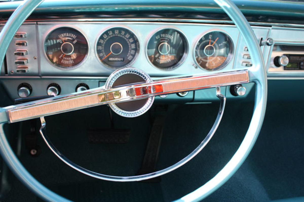 1964-Plymouth-Fury-dash1