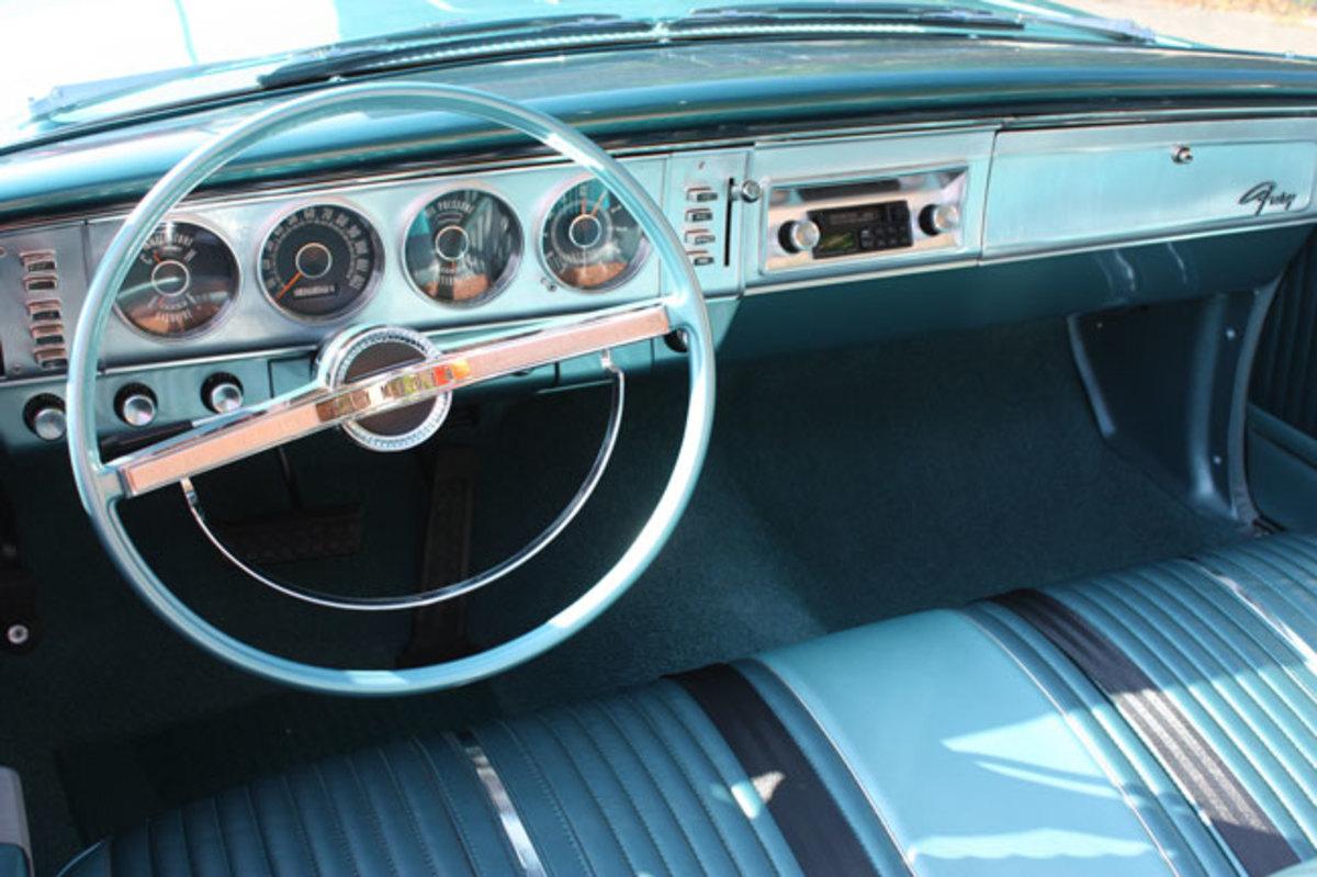1964-Plymouth-Fury-dash2