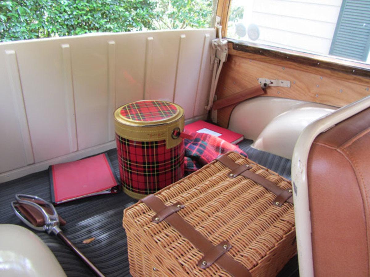 1949-Plymouth-box
