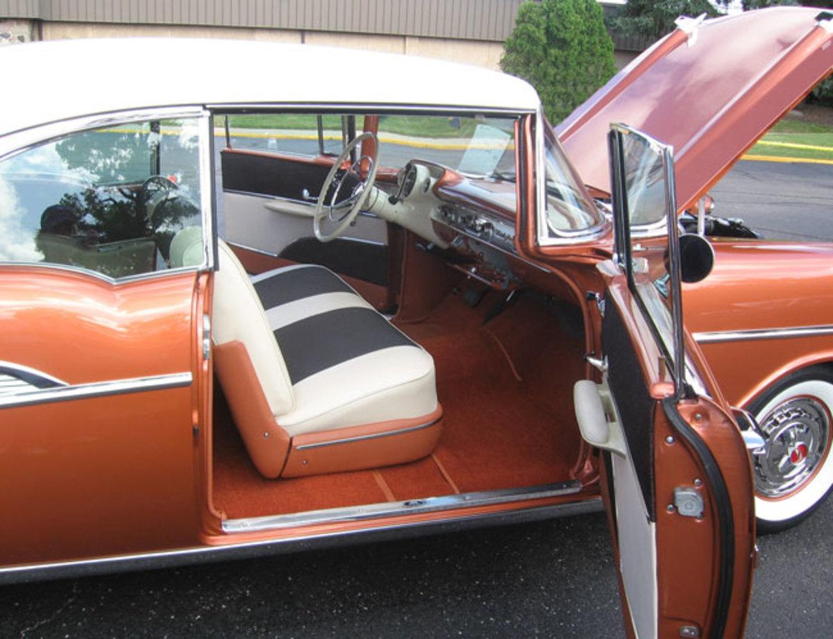 1957-Bel-Air-door-open