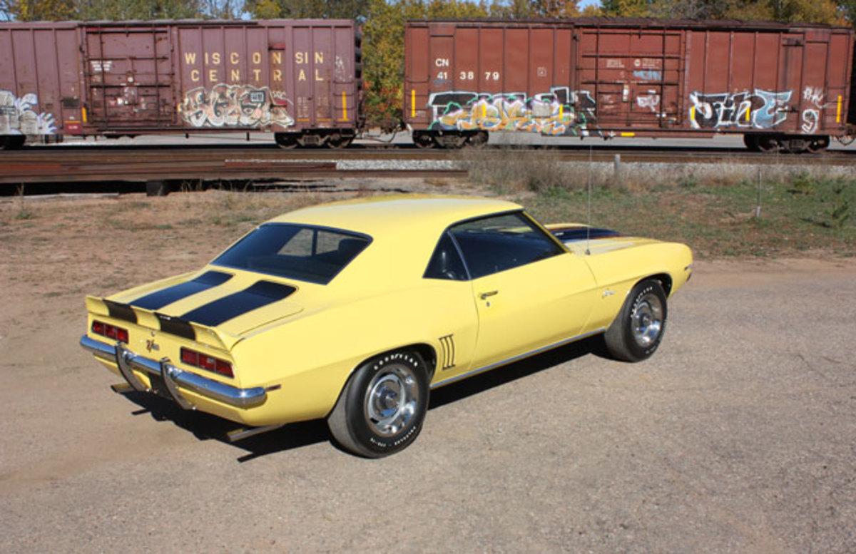 1969-Z28-main3-rear