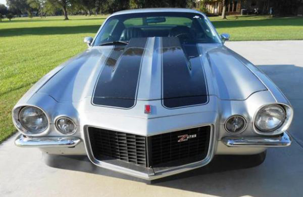 The Henderson Fall Auction will feature this 1971 Z28 Camaro with split bumper.