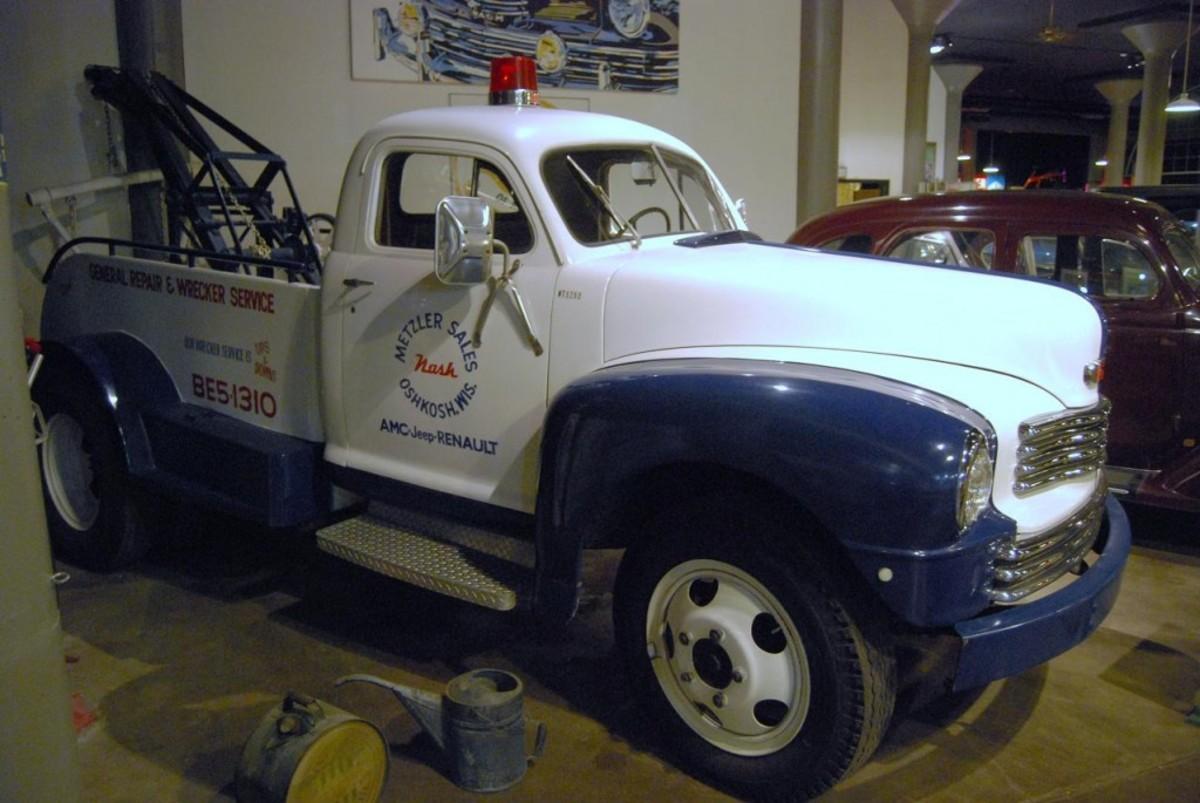 A rare Nash tow truck.