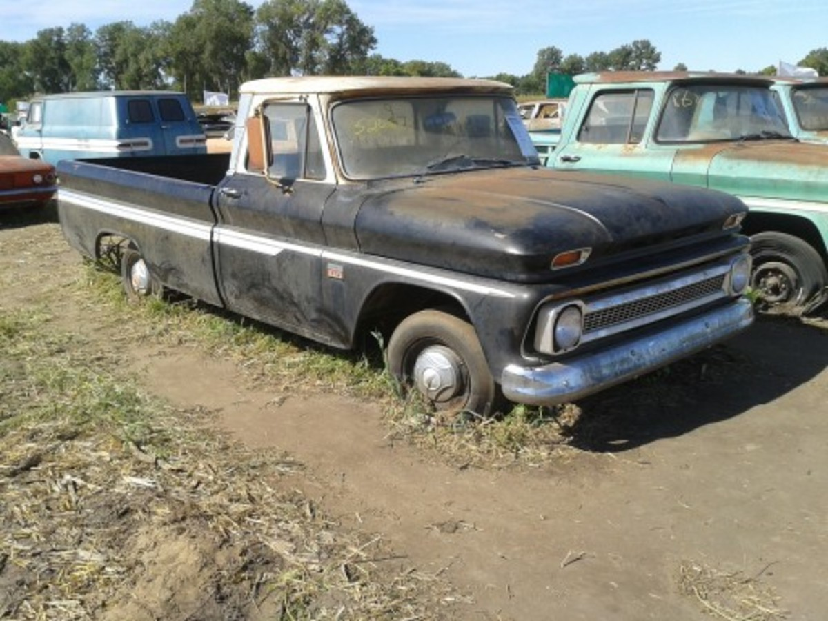 The highest-selling pickup at the Lambrecht Chevrolet Company auction in Pierce, Neb., Sept 28-29 was this 1964 Chevrolet C10 or $39,000. It had 5 miles showing.
