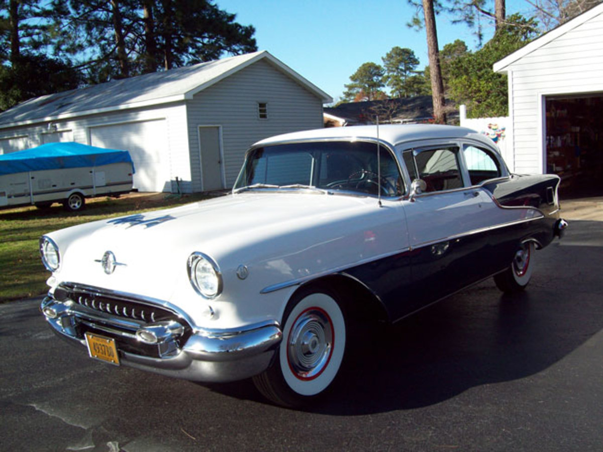 1955-Olds-88-main3