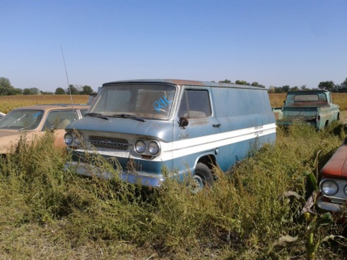 This unsold 1963 Corvair 95 panel van, mistakenly called a Greenbriar in the online auction catalog, sold for a strong $19,000. Like 50-some other vehicles in the Lambrecht Chevrolet collection, it was still on MSO. The odometer of this rare treat showed 46 miles.