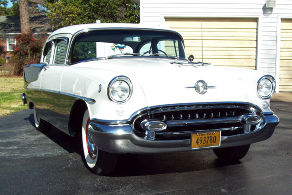 1955-Olds-88-main4