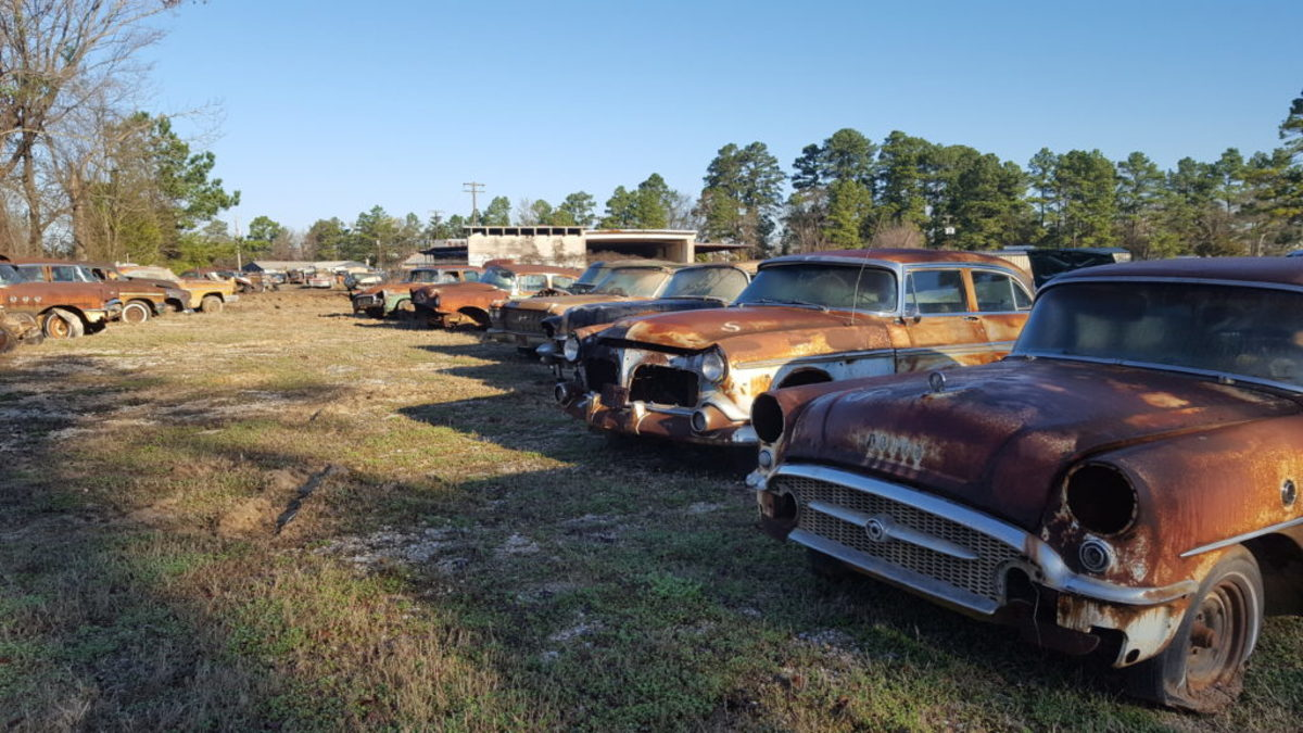 More Buicks, Caddys and Imperials.