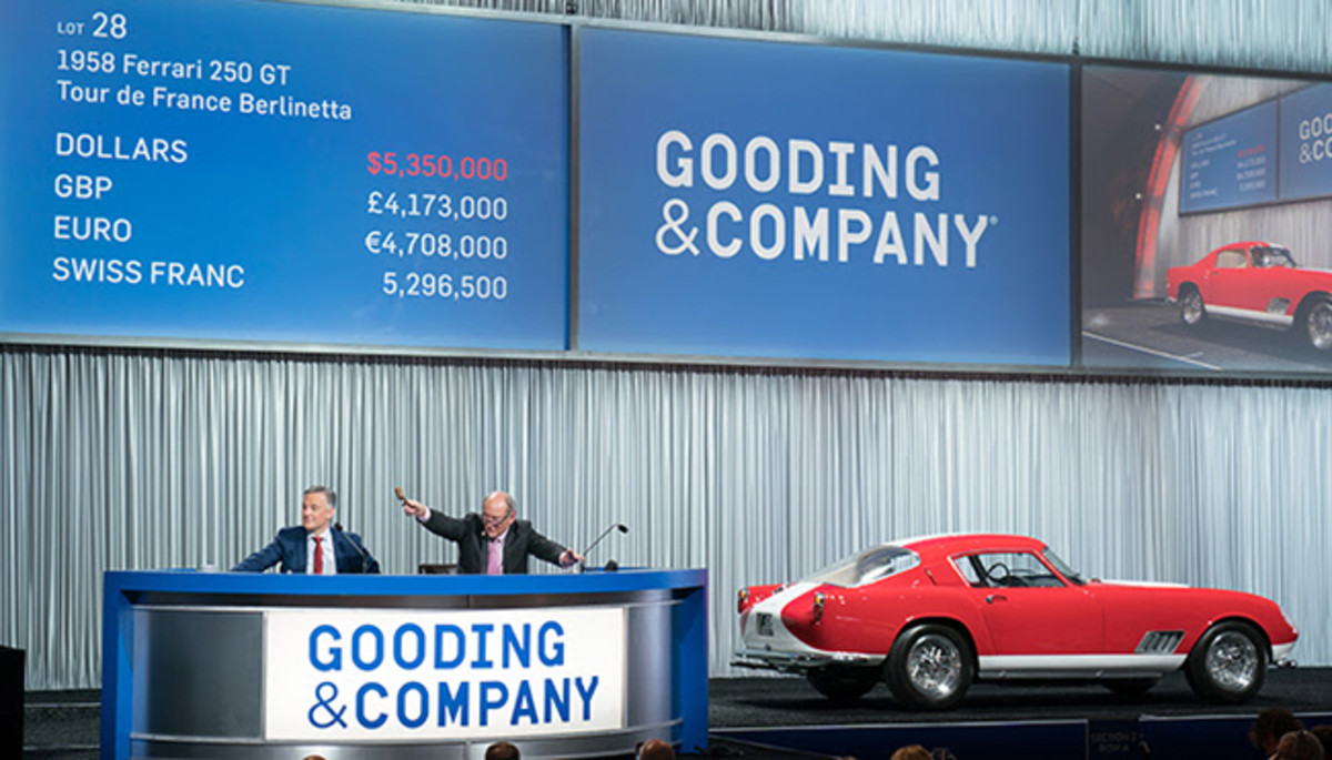 L-R: President David Gooding and Auctioneer Charlie Ross sell the 1958 Ferrari GT Tour de France for $5,890,000.Photo copyright and courtesy of Gooding & Company. Image by Jensen Sutta.
