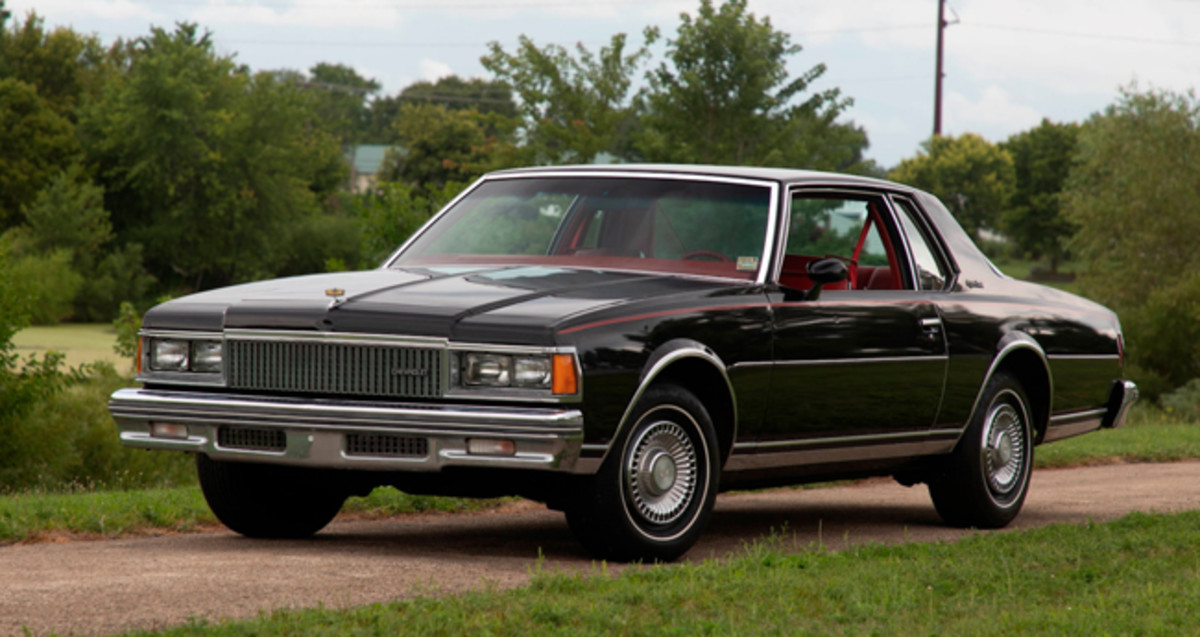 1977 Chevrolet Caprice coupe Photo - Mecum