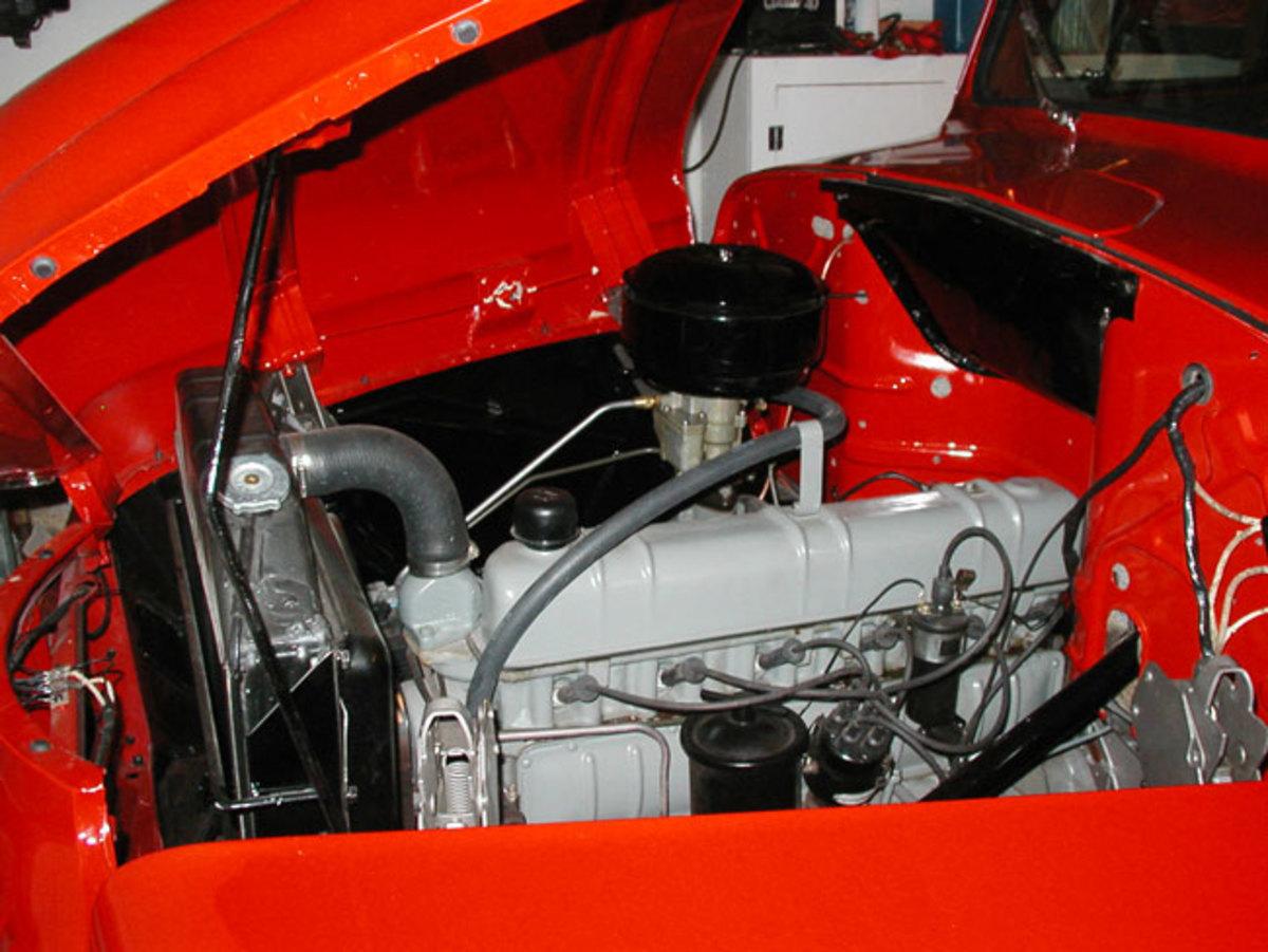 1951-IHC-engine