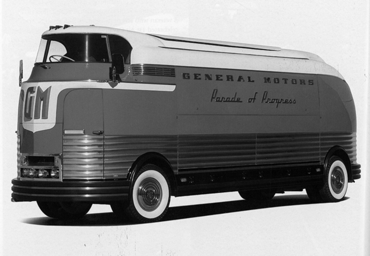 Futurliner No. 11 to be offered by Barrett-Jackson.