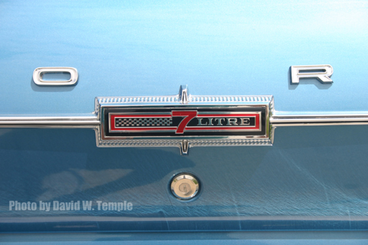 "Identification for the Galaxie 500 7-Litre was spread around various points on the car. Emblems emblazoned with ""7-LITRE"" were mounted on the grille, fenders, and deck lid. Chrome-plated letters and numerals spelling ""GALAXIE 500"" appeared on the quarters."