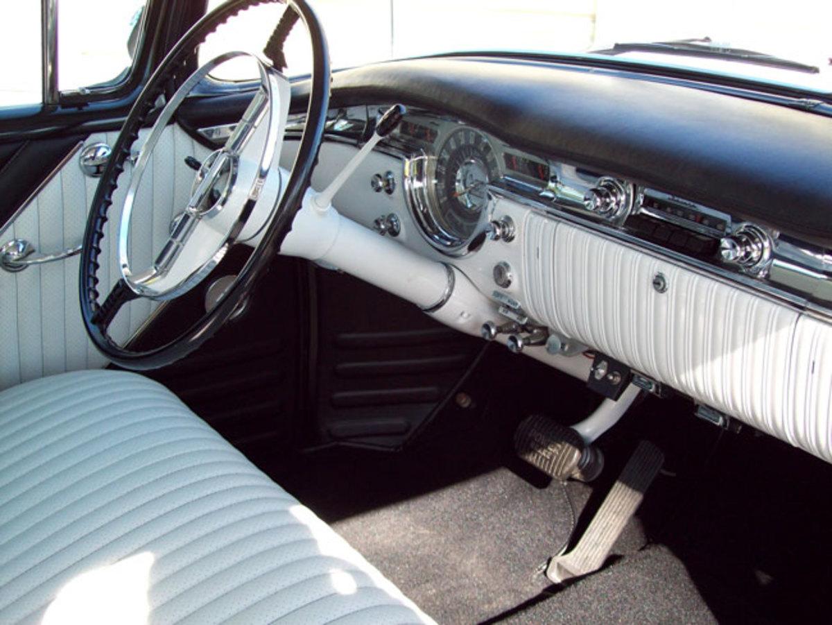 1955-Olds-interior