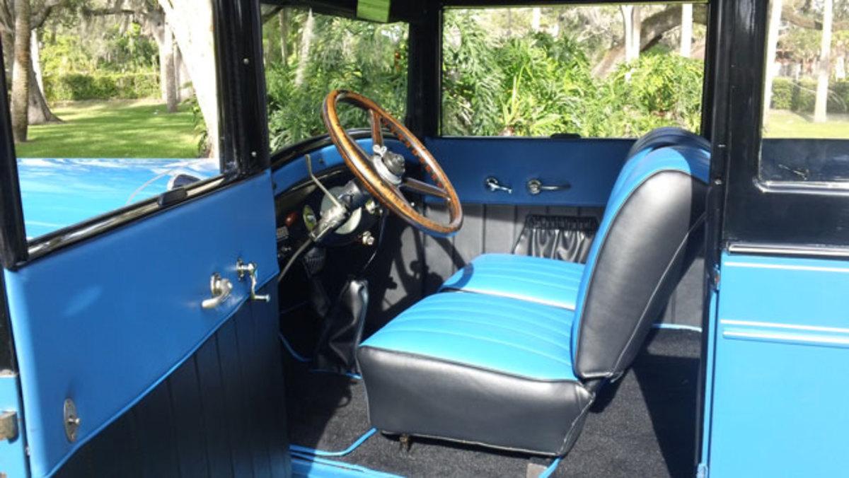 1927-Chrysler-interior2