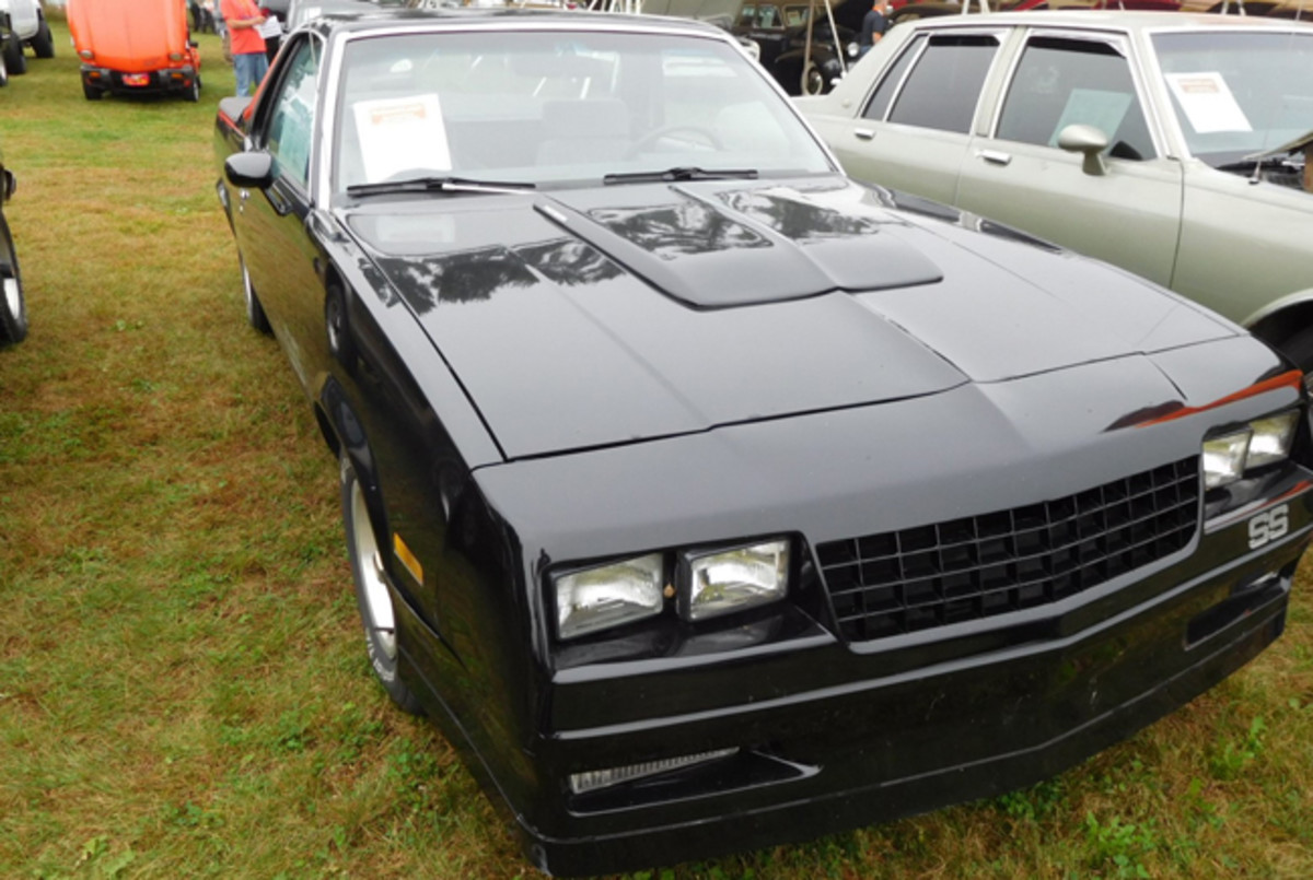 This 1985 El Camino SS had modifications, brake leaks and shifting problems noted on its Wisconsin-required disclosure form, but sold for $3,100 at the W. Yoder sale.