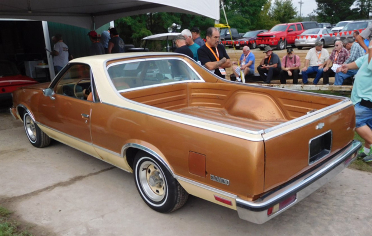 This two-tone brown and tan 1978 El Camino had a lot of nice original features and a lot of eye appeal.