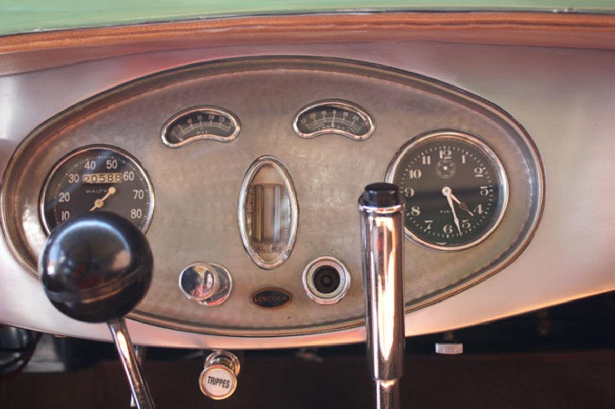 1928-Lincoln-dash