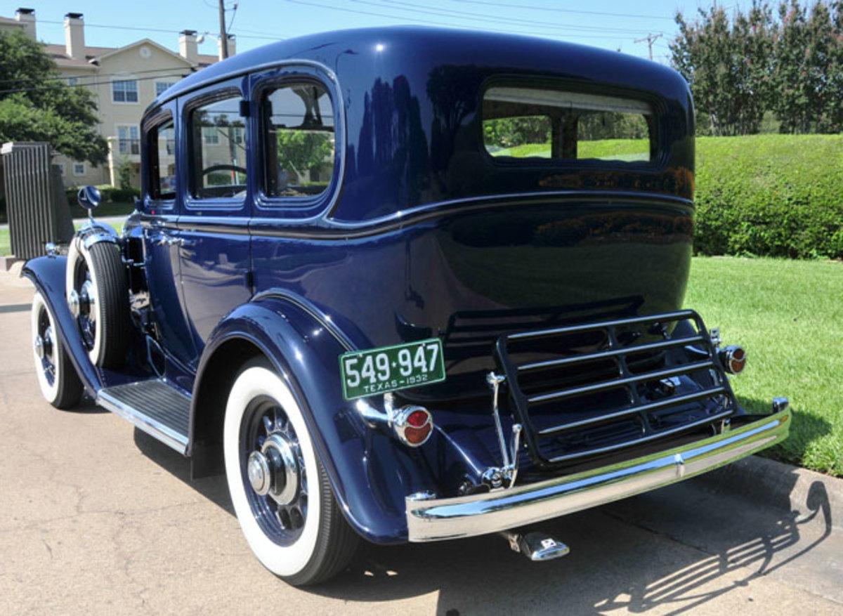 1932-Buick-rear2