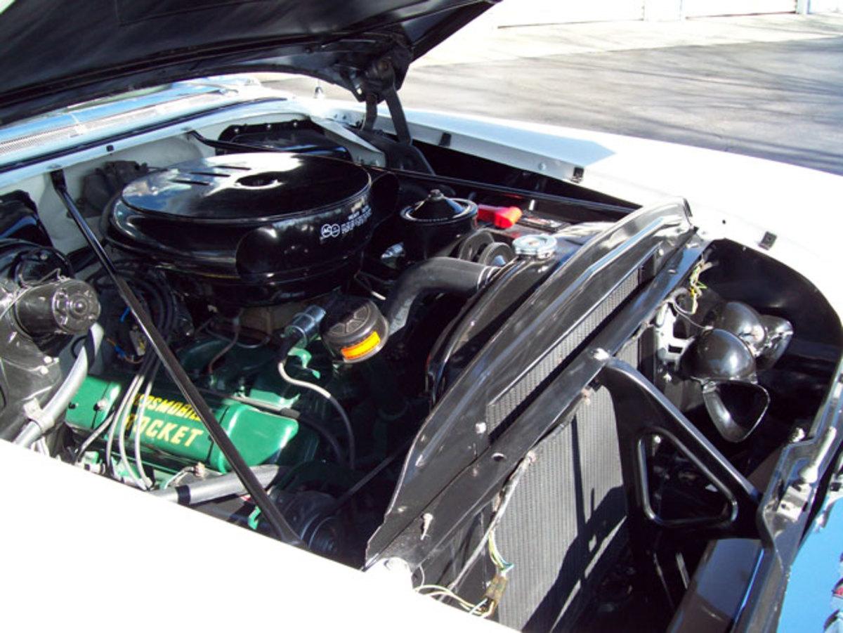 1955-Olds-88-engine