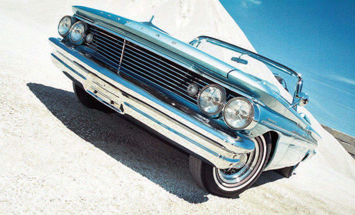 In addition to show duties, the supercharged 1960 X-400 was used by GM Styling vice president Bill Mitchell as his daily driver. It is one of, if not the, first Pontiac to receive a four-speed manual transmission.