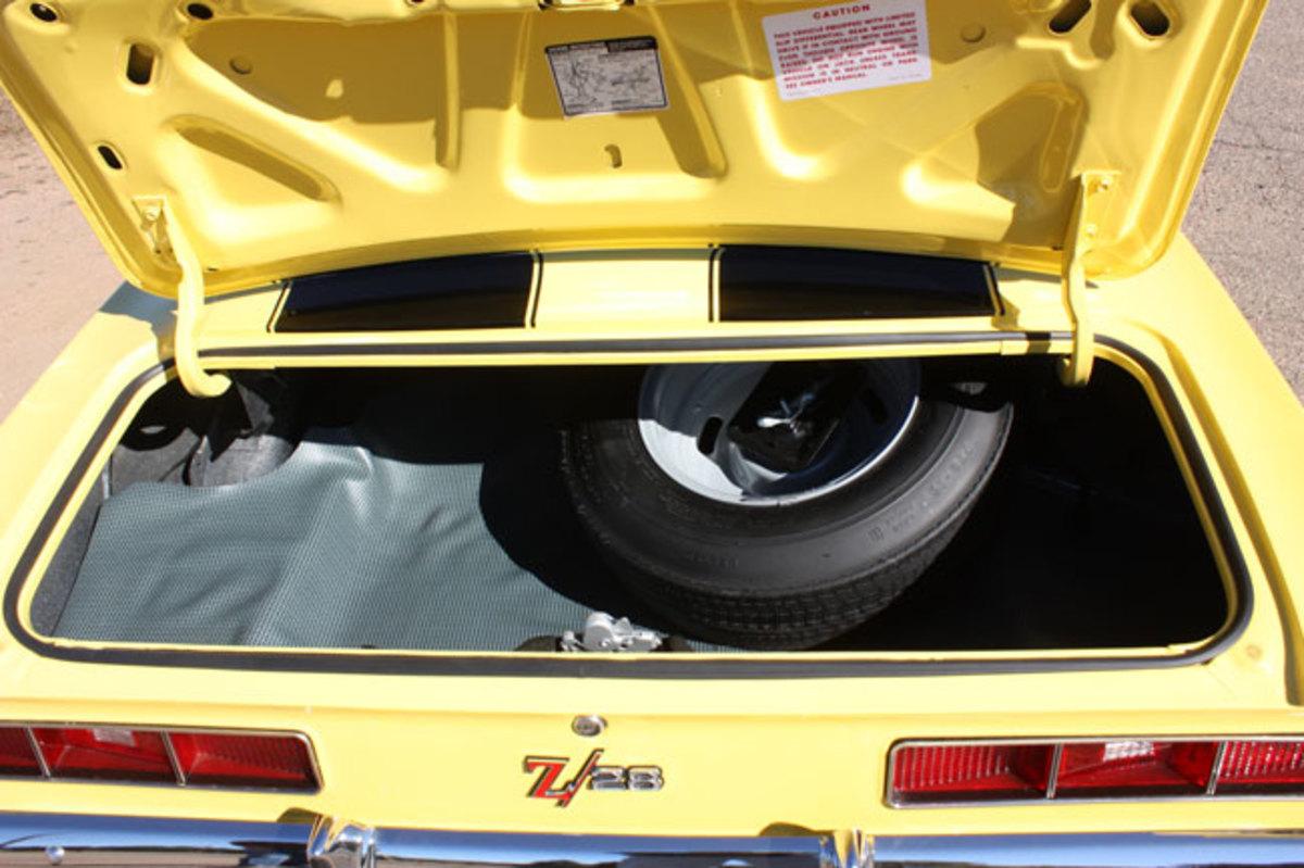 1969-Z28-trunk