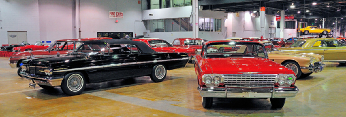 Class of 1962 display included Pontiacs, Fords and Chevrolet.