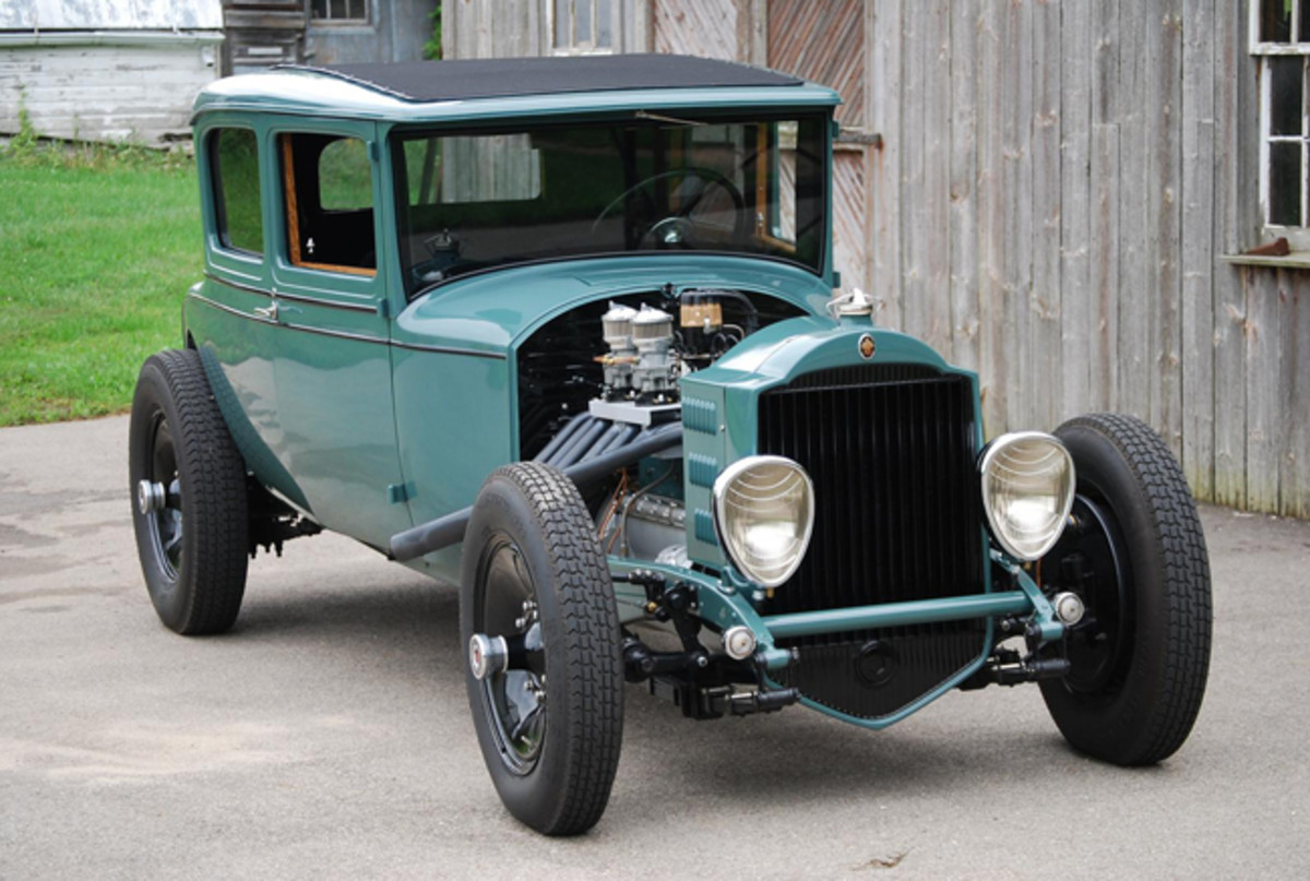It took teamwork to put this great-looking Packard hot rod together.