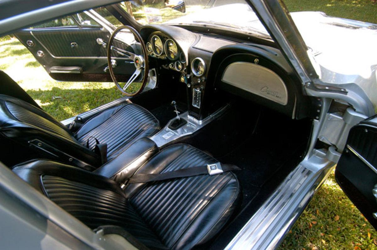 1963-Corvette-interior