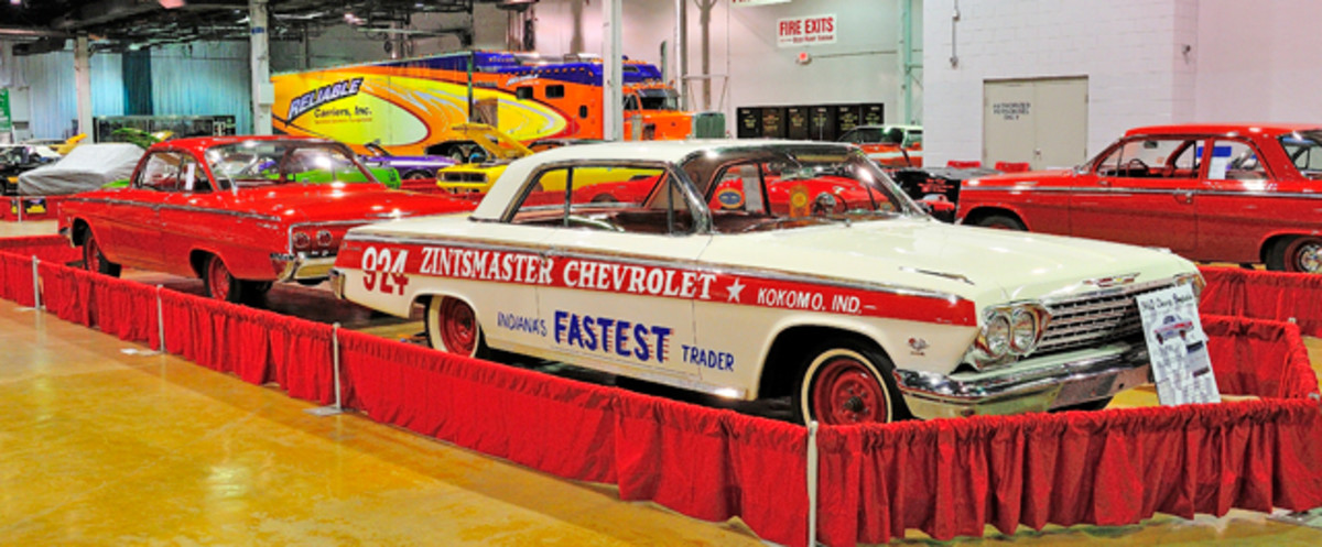 The legendary 1962 Chevy Impala 409 Zintsmaster paired up with Floyd Garrett's red 1962 Chevy Bel Air 409 Bubble Top.