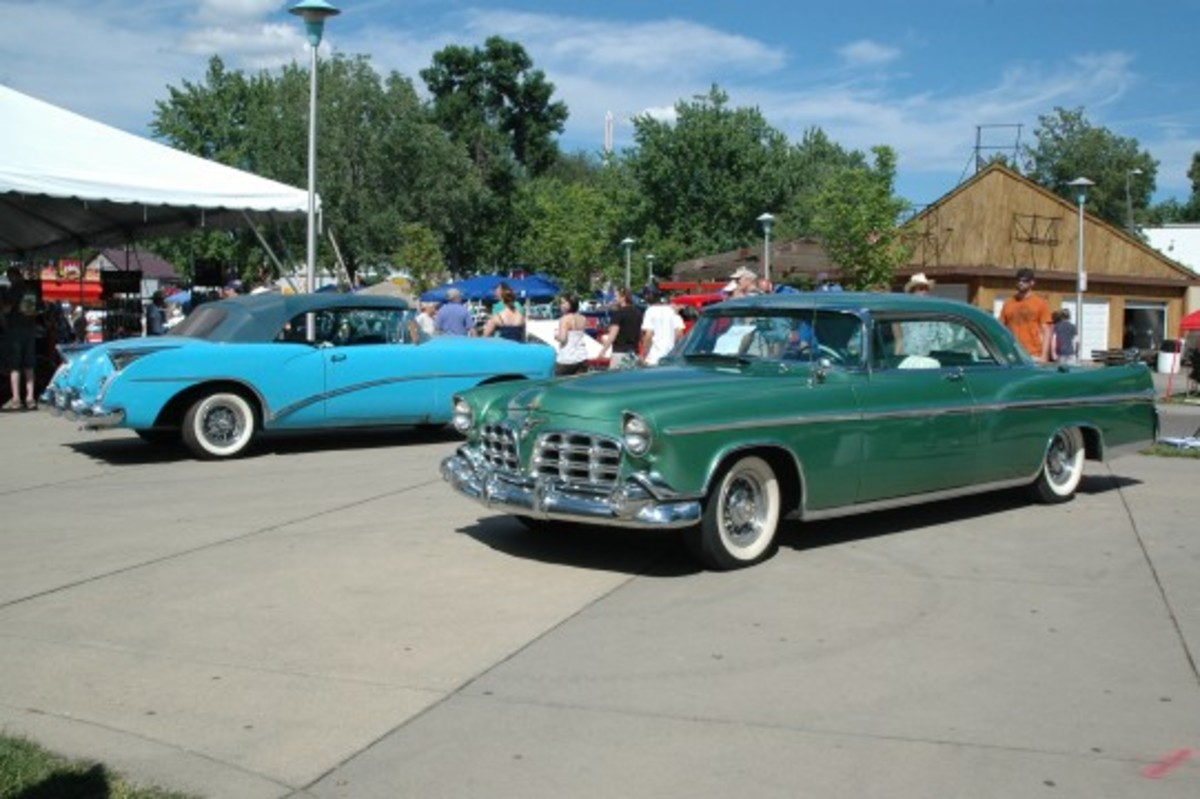 Would you believe there were TWO 1954 Buick Skylarks at Back to the 50's? And both were this color? The likewise beautiful 1956 Imperial hardtop is only slightly more common than the Skylark with 2,094 built versus 836 Skylarks.